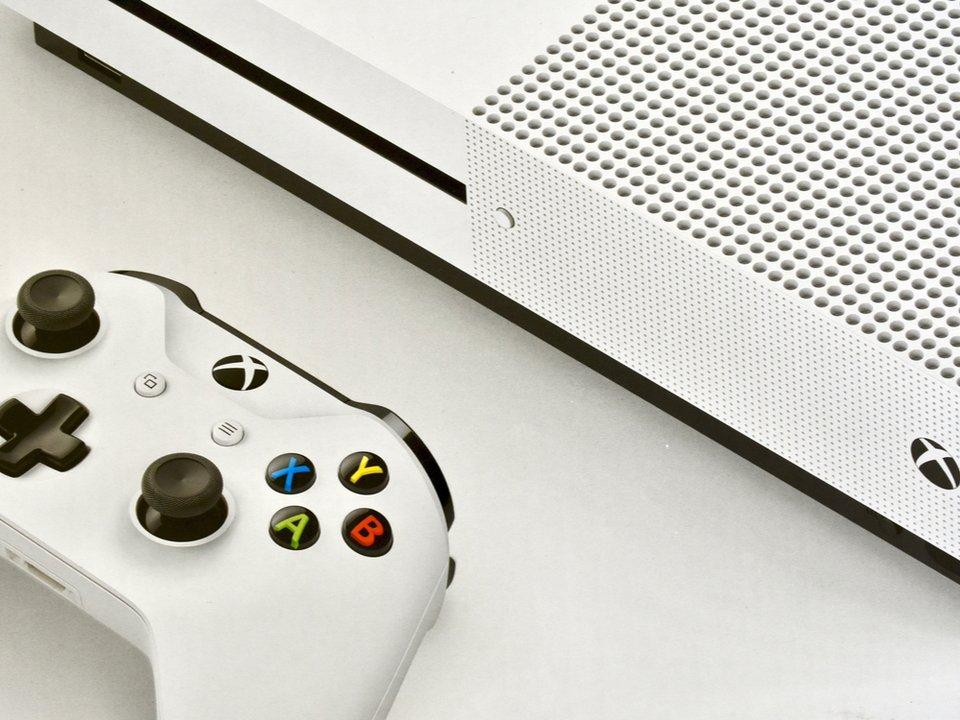 最新型のXboxは、公式でマウスとキーボードに対応するかも。ってそれもうPCでは? #ゲーム #マイクロソフト #Windows #XboxOne #XboxOneX https://t.co/wJVP9r7H1s