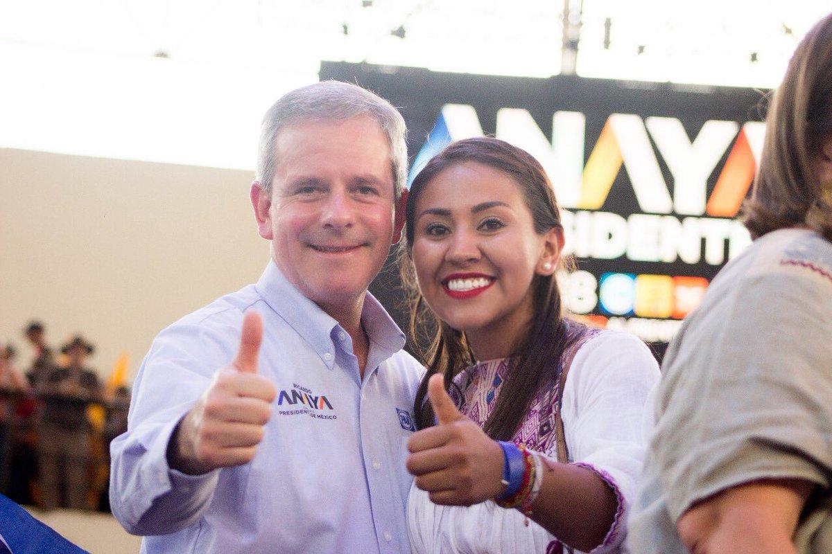 ¡@RicardoAnayaC Presidente!   Un gusto recibir en #Chiapas a mis amigos @ManuelGranados_ @marcelotorresc @XochitlGalvez @SantiagoCreelM y saludar a mis compañeros diptos. @AlemanMargarita y @CAPalomequeA  #PorChiapasAlFrente #PorUnMéxicoEnPaz 💛💙🧡 @diputadospan @PorMexAlFrente