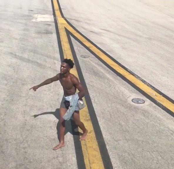 Man in underpants runs onto Atlanta tarmac, pounds on plane windows - police https://reut.rs/2tvDh4i