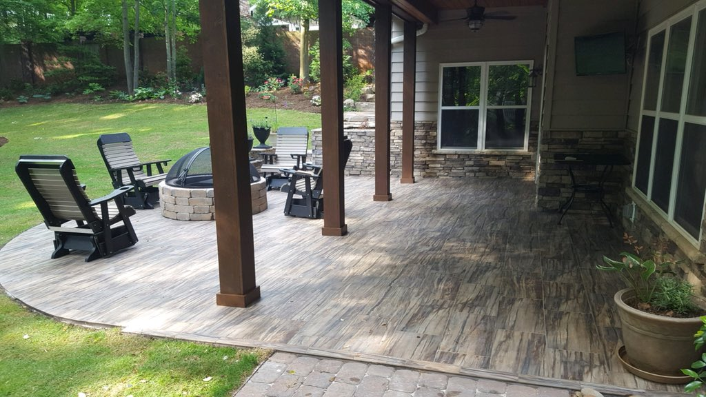 Need To Transform Your Outdoor E Porcelain Tile Is The Perfect Option Add Color And Texture Plain Concrete Come Check Out Our Wide Selection Of