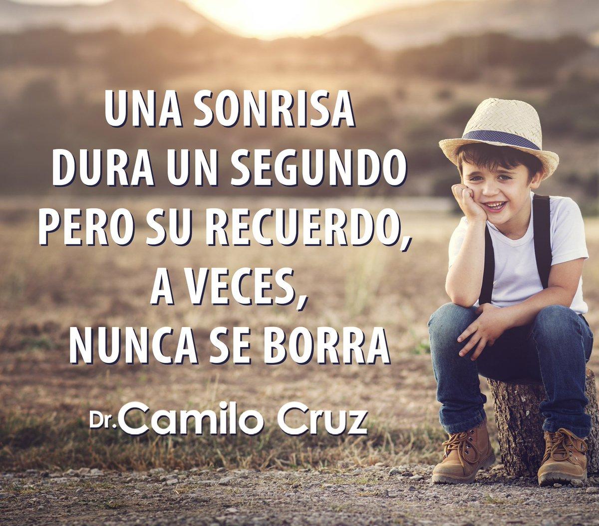Camilo Cruz Su Twitter Una Sonrisa Dura Un Segundo Pero Su