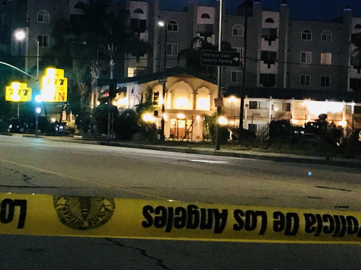 #BREAKING *AVOID Sepulveda Blvd* in Sherman Oaks between 101 Freeway & Ventura Blvd - it remains shutdown for SWAT standoff at 777 Motor Inn w/possible ...