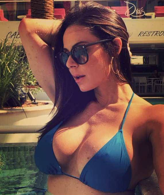 Today is #NationalSunglassesDay #LustArmy https://t.co/FrrpNz0hoT