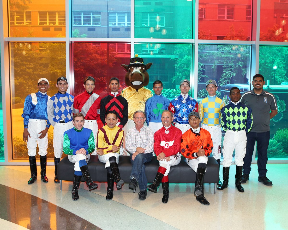 Churchill Downs Picture