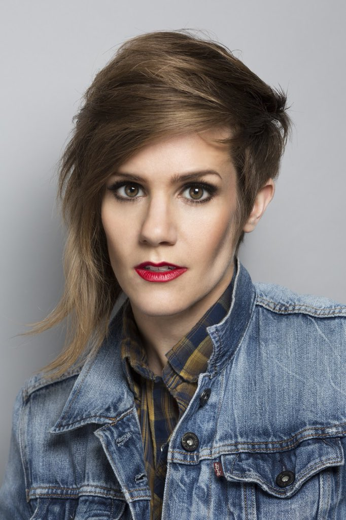 Miraculous Cameron Esposito On Twitter Wow Look At Her Natural Hairstyles Runnerswayorg