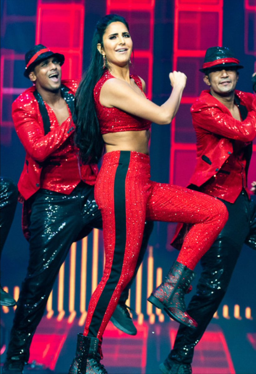 E2 9a 94 Ef B8 8fkatrinas Sword E2 9a 94 On Twitter Katrinakaif Is Setting Both The Stage As Well As Ass Of Asli_jacqueline On Fire F0 9f 94 A5 F0 9f 94 A5 Reason For Global Warming
