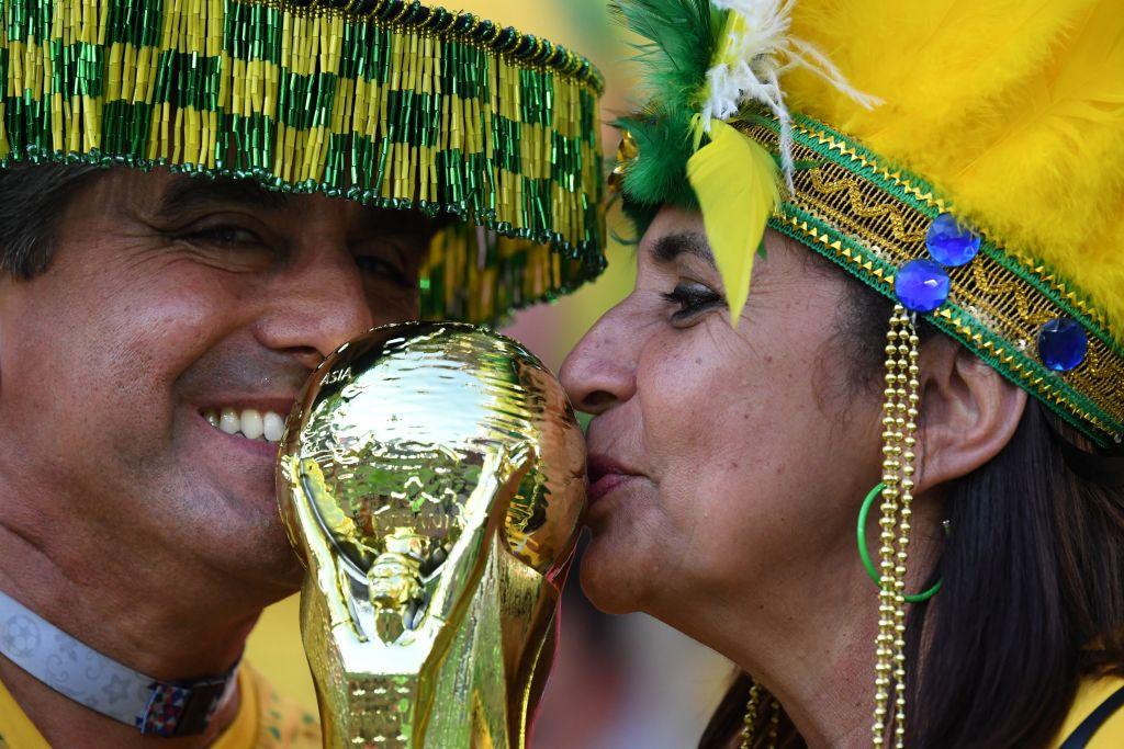 Brasil derroto 2-0 a Serbia y avanza a Octavos