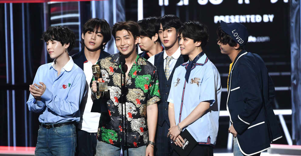 BTS are climbing the iTunes Mexico charts after South Korea's World Cup win. https://t.co/YlSWCajQoa https://t.co/zRvbsfJ9dO