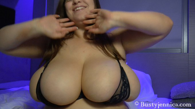 B-cup bras and K-cup tits! New video!! Get it at https://t.co/6bOYeTkEbL or https://t.co/abMaYUrKnp #retweet