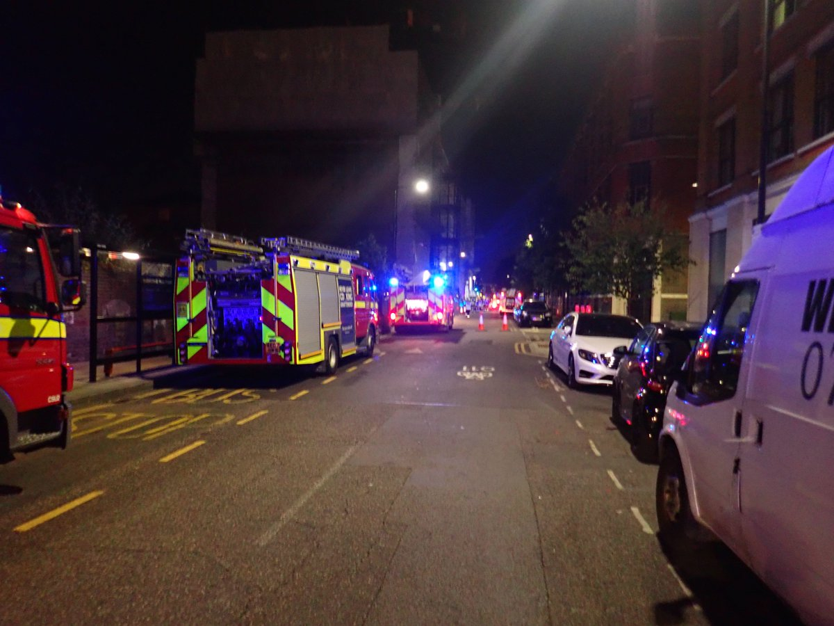 Firefighters issue cigarette and barbecue warnings after #Hoxton roof fire #ThisWeek https://t.co/8HHBGJmjuO