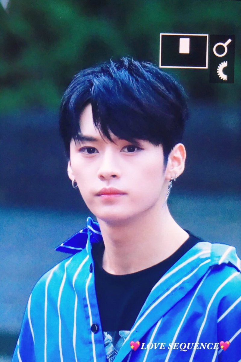 Stray Kids Doing Things On Twitter Minho With Blue Hair 2018