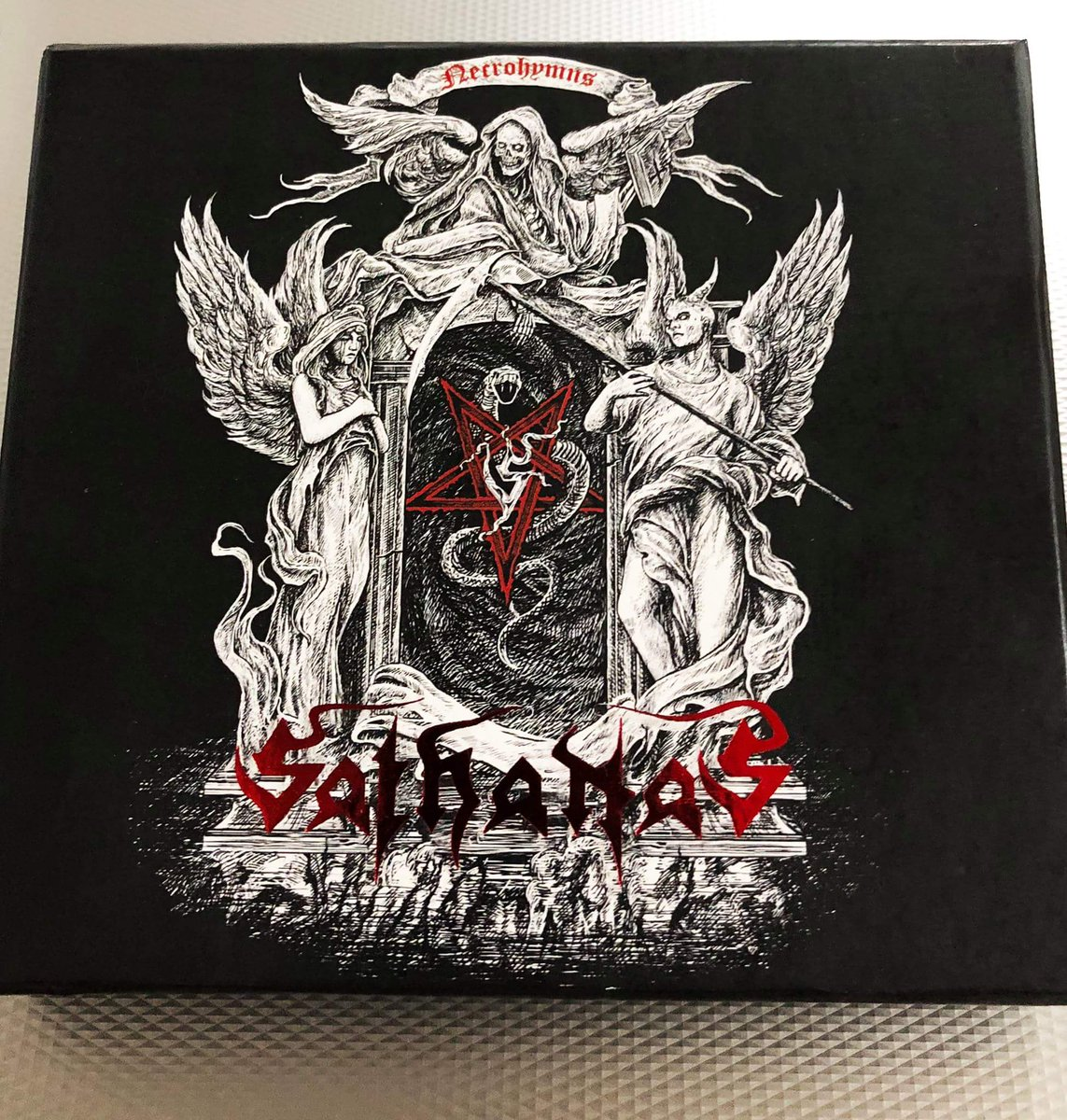 Box Set For Their Newest Album Heres A Link Its Autographed And Comes With Band Patch Guitar Pick Coaster Magnet As Well Digipak Version
