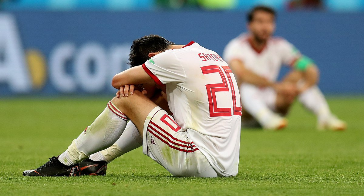 Iran star Sardar Azmoun abruptly retires from international football, citing online abuse he's copped after not scoring in any of #IRN's #WorldCup games.  He says the abuse has been such that his ill mother's serious condition has flared up again https://t.co/iujSH10ABz 📷Reuters