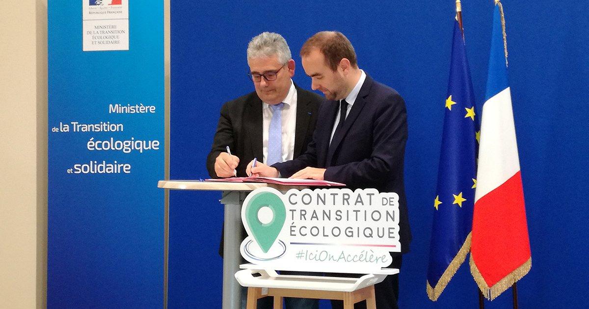 """Les contrats de #TransitionEcologique prennent forme ! @SebLecornu #CTE """"Cinq premiers territoires ont signé les chartes d'engagement : @Departement19, @GrandArras, @Gard, @Prefet21_BFC, @Prefet974"""""""