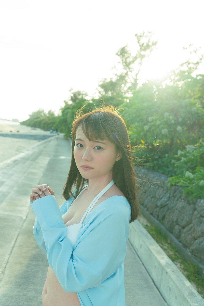 『女性声優×だらしないお腹』  シンプルながらも最高の組み合わせであると尾崎由香さんが証明してくれているし中途半端に割れた腹筋でイキる女性声優は猛省に猛省を重ねてほしい。