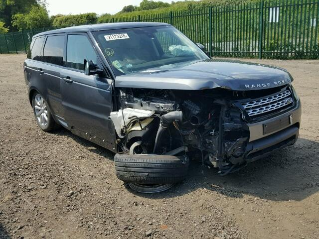 Think this 2015 Range Rover could be your next fixer upper? Head over to Copart UK today! >> ow.ly/GHx430kUX7m