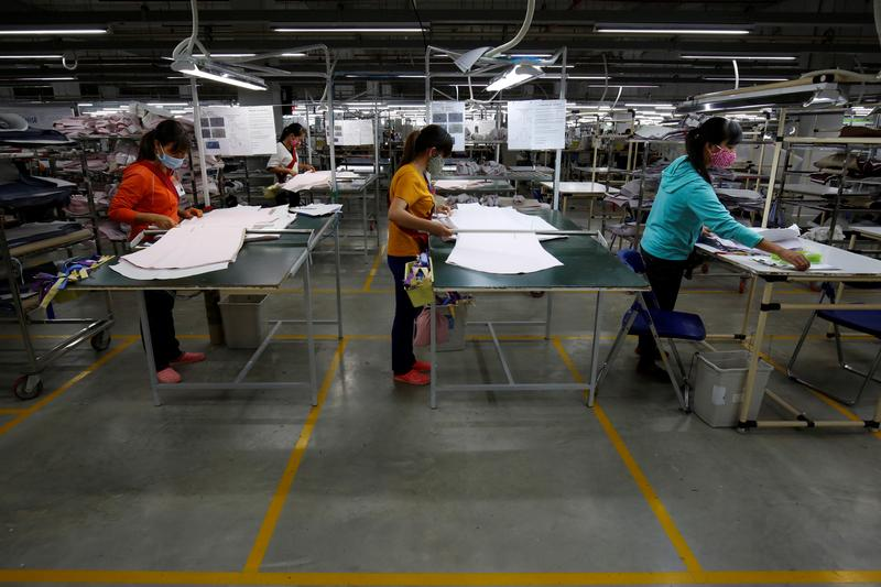 009d120417 Rise of robots fuels slavery threat for SE Asia's factory workers, analysts  say ...