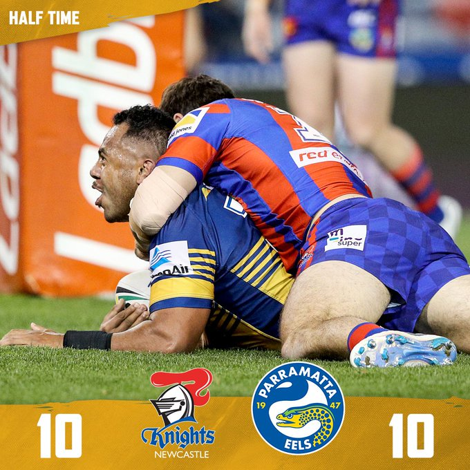 Crucial mistakes and ill discipline allowing the Knights back into this one. Scores are level after the opening 40 minutes. Match centre: #blueandgold #NRLKnightsEels Photo