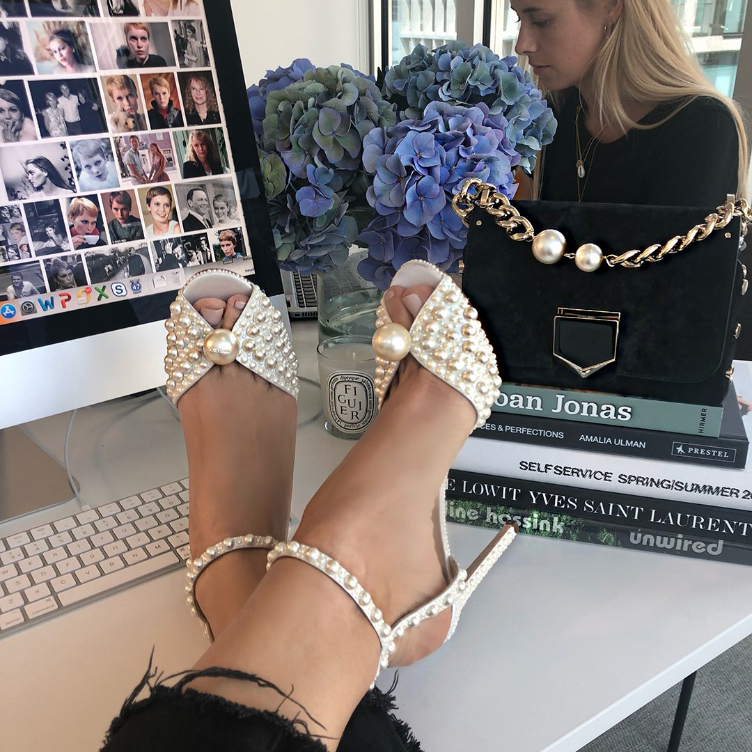 As Jackie Kennedy said, &quot;Pearls are always appropriate&quot;. Wear yours on your feet this #FeetUpFriday with the SACORA white satin sandals, a preview from the Autumn Winter 2018 collection, available on  http:// JimmyChoo.com  &nbsp;   now. As worn by Gabriele Hackworthy<br>http://pic.twitter.com/bogtNqbFoD