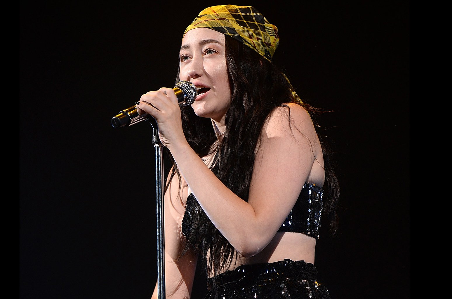 .@noahcyrus reveals dates for her first headlining tour https://t.co/AaI6xBnwbE https://t.co/NF9K8pyOaE