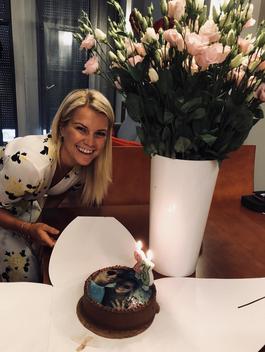 ada s hegerberg on twitter ronaldo off to juventus france qualifying for the final me having cake i need to get back on the pitch whatatimetobealive https t co z15fvbtnu3 ada s hegerberg on twitter ronaldo