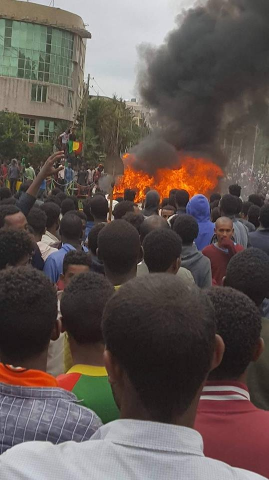 Bereket Simon car burned down in Debre Markos
