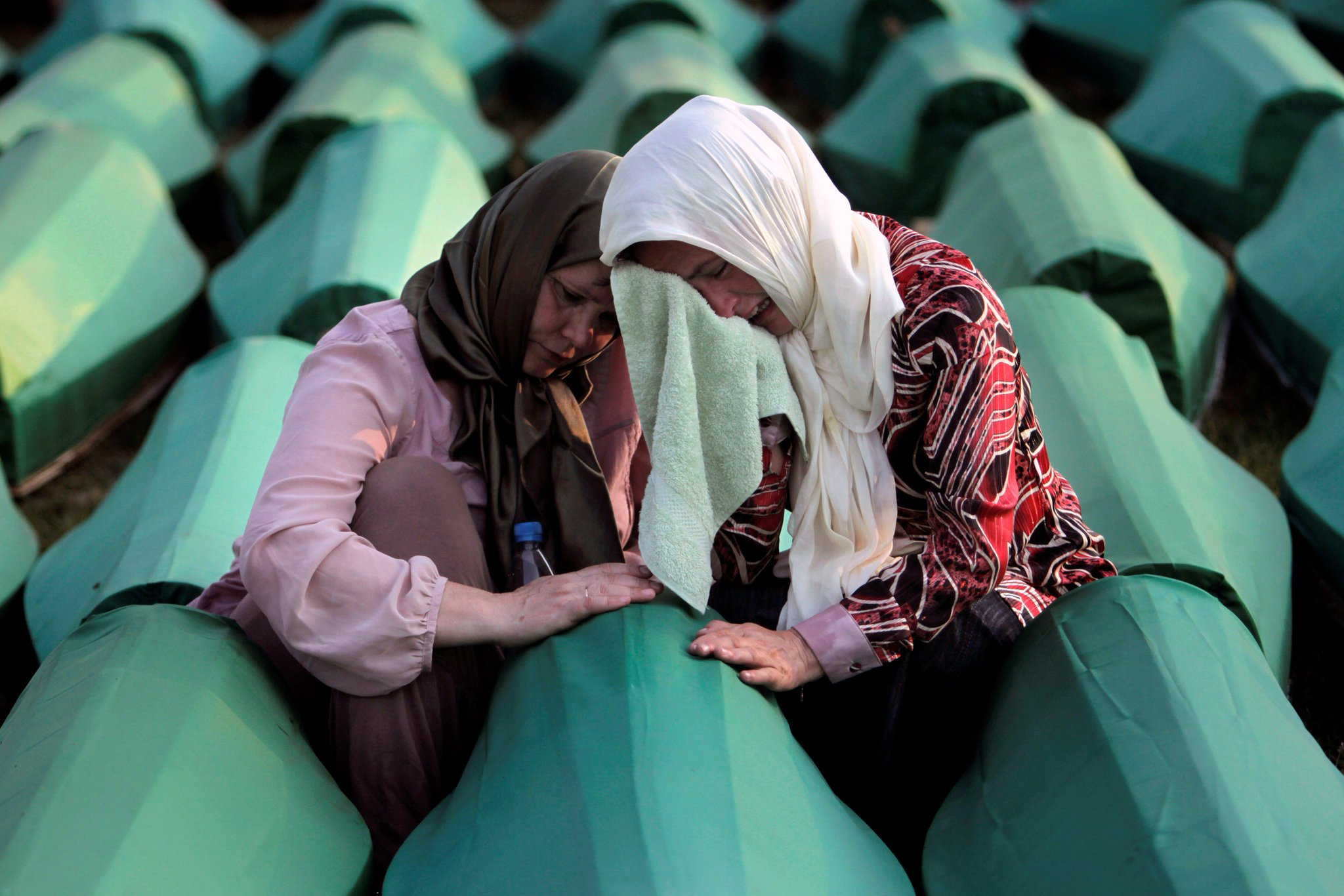 The #Srebrenica genocide was the worst massacre in Europe since WWll. Here's what led to it. https://t.co/M7MsqPzwJN