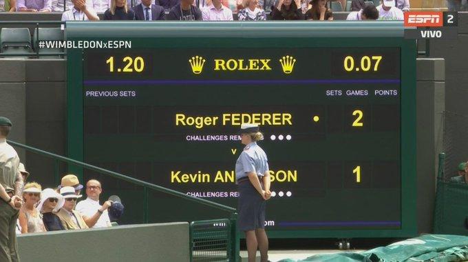 #WIMBLEDONxESPN Quiebre arriba, Roger Federer enfrenta a Kevin Anderson, buscando meterse una vez entre los cuatro mejores de #Wimbledon. ¿Podrá lograrlo? En VIVO por ESPN 2 y ESPN Play. Foto