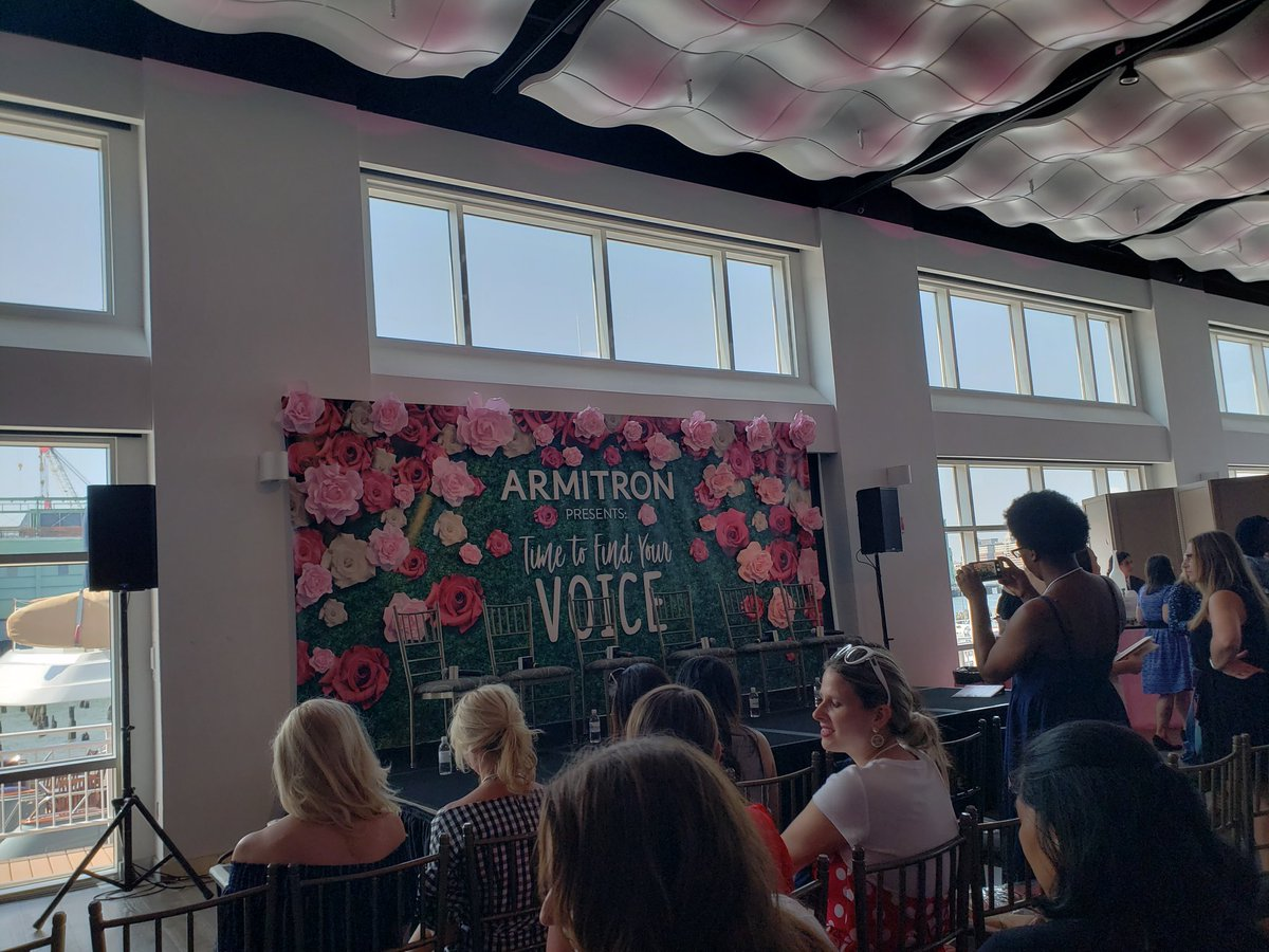 Ready for today&#39;s @ArmitronWatches #BabypaloozaNYC panel! How adorable is this backdrop??? #OneWatchManyFaces<br>http://pic.twitter.com/jQxROKoSJh