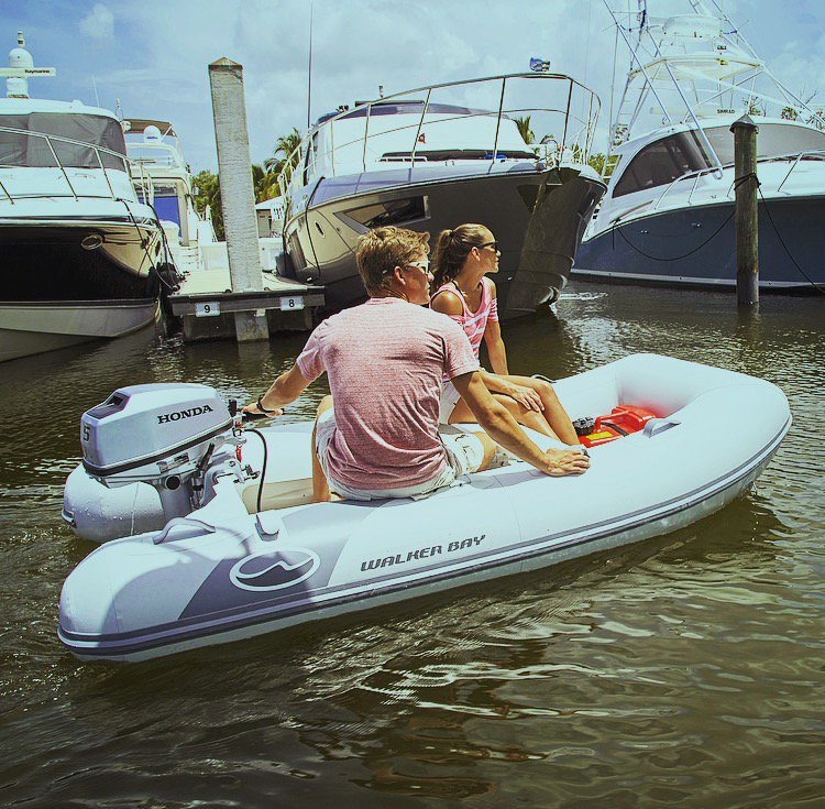 Can you believe this #boat fits in a carry bag? #WalkerBay Odyssey Air Floors are the perfect Lightweight, Compact and Durable #InflatableBoats. See our line of Odyssey Air Floor Inflatable Boats at:  http:// walkerbay.com/rigid-inflatab le-boats/odyssey/ &nbsp; … <br>http://pic.twitter.com/WWbXnYvUYB