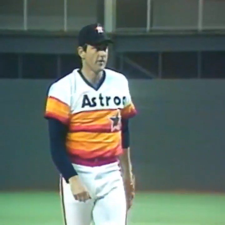 OTD in 1985, Nolan Ryan becomes the first pitcher to record 4,000 career Ks.   (MLB x @BarbasolShave) https://t.co/88dnTtFnUe