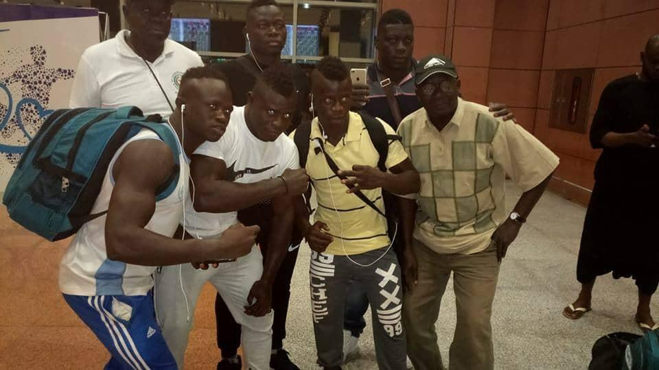 L'équipe nationale de lutte du Sénégal direction Niamey pour aller disputer le tournoi de la CEDEAO. Le tournoi se déroulera du 12 au 15 juillet 2018 au Niger #nationalteam #lamb #lutte #niger #senegal #ilovesenegal #goGaïndé #lions #teranga #team221 🦁🤼🏿🇸🇳 https://t.co/1RXq5F9tva