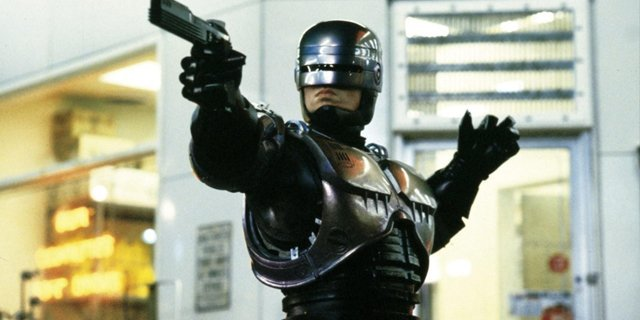 ROBOCOP RETURNS is coming our way from DISTRICT 9&#39;s NEILL BLOMKAMP!  http:// comicbook.com/movies/2018/07 /11/new-robocop-movie-neill-blomkamp/ &nbsp; … <br>http://pic.twitter.com/ZojbkGxYCg