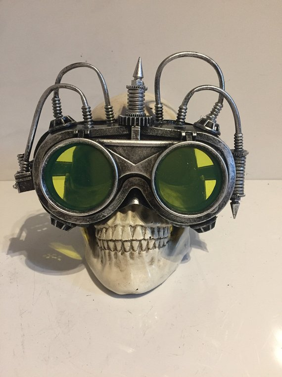#Steampunk flip up goggles with green tinted lenses and distressed silver pipework finish.   One size fits all, and other colours available! 😀   #SNRTG #craftbuzz #flockbn #atsocialmedia #sbutd #eshopsuk   https://t.co/FeefuuWKXu
