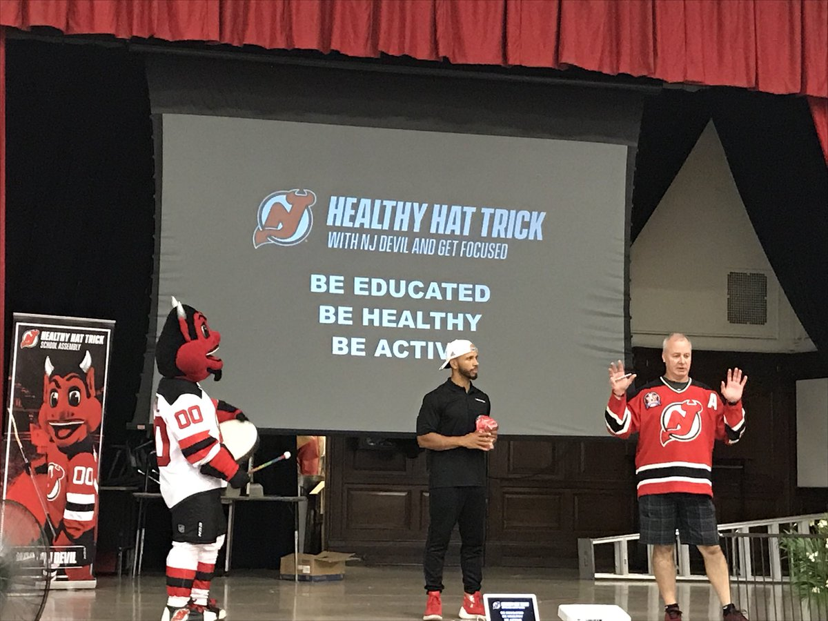 We were in Jersey City today teaching the kids at Summer Fun Camp how to Be Educated, Be Healthy and Be Active. @NJDevil00 and his Healthy Hat Trick is the way!! @NJDevils @GoldinMartinez @GetFocused #NJDevilWorkout