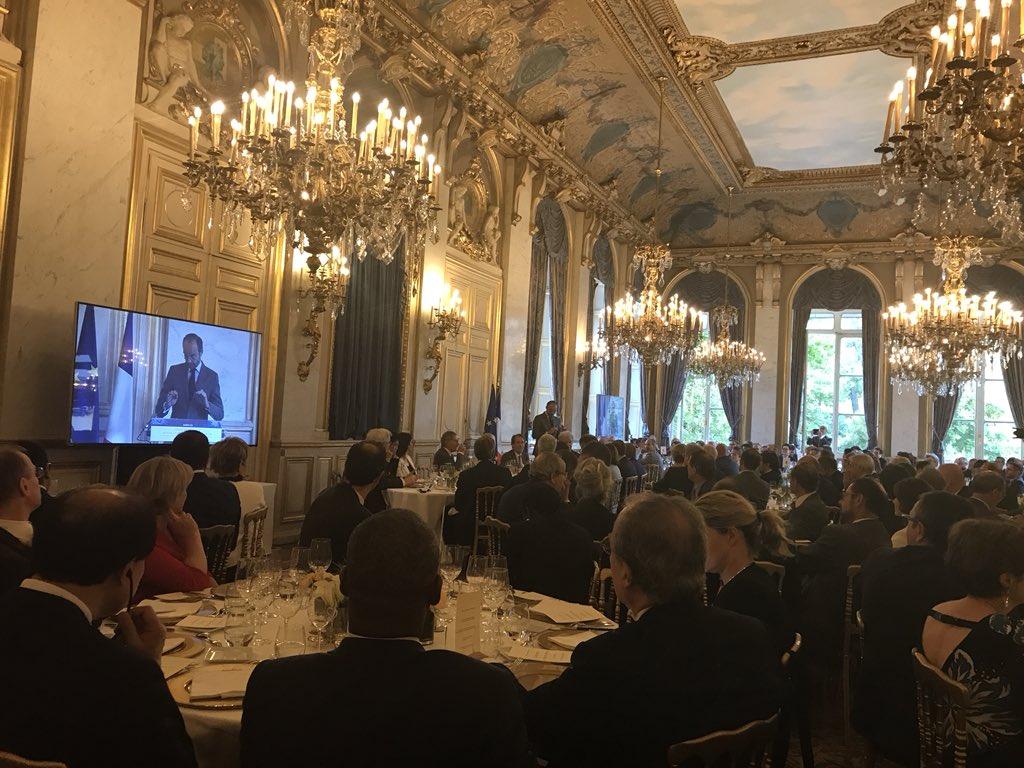 Pour les 25 ans de Paris @europlace, le Premier Ministre vante à juste titre la jeunesse et l'enthousiasme de la France, la compétitivité retrouvée de Paris ... dommage qu'il n'évoque pas la finalité de la finance, sans même parler de finance verte. #IFFParis  - FestivalFocus