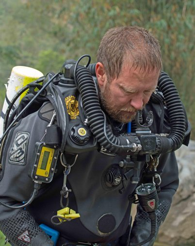 SAD NEWS - Heroic doctor #RichardHarris, last to exit #Thailandcave, emerges to discover his father has died :( viralmasalla.com/while-an-austr… #ThaiCaveRescue #ThailandCaveRescue #ThaiCaveResue #ThailandCaveResue