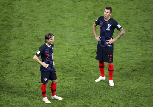 #CRO is the first team to go extra time three times in the same #WorldCup. Pickford coming up big for #ENG. Both sides have to be exhausted. 15 minutes left in Moscow ... #ENGCRO @GDunbarAP @RobHarris @jellingworth apne.ws/he3ewWY