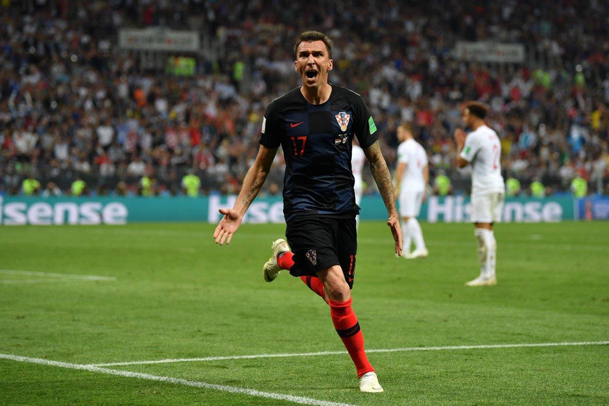 MARIOOOOOO!   Super @MarioMandzukic9 segna il gol decisivo e manda la 🇭🇷 in FINALE! 🔝❤️⚫️⚪️  #JuveWorldCup
