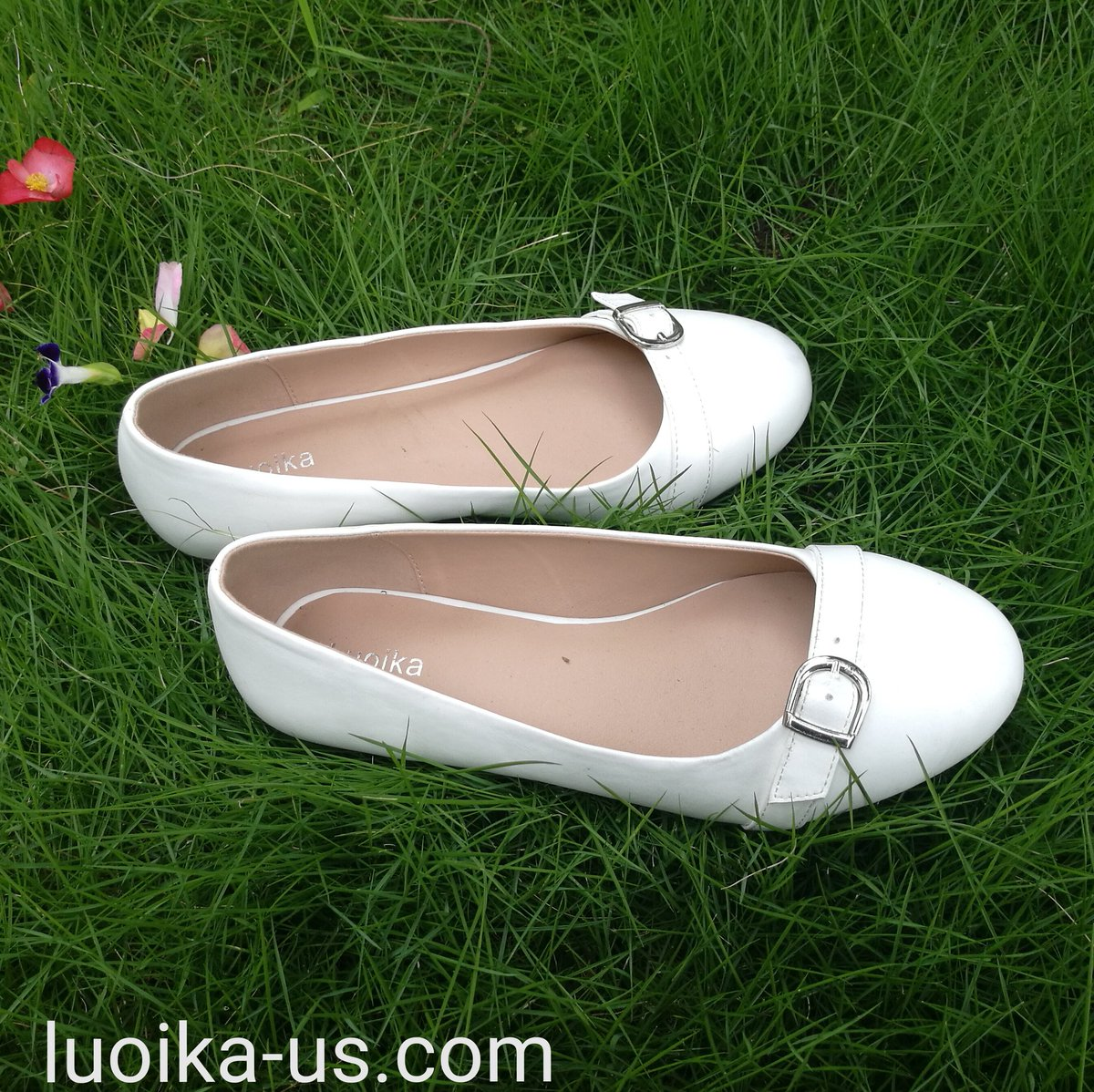 e32ecc0efd6b ... Slip On Round Toe Ballet Flats  widewidthflat  widebody   plussizefashion  plussizeshoes  fatfeet  wideshoes  wideshoes   fallflatshoes  weddingflatshoes ...