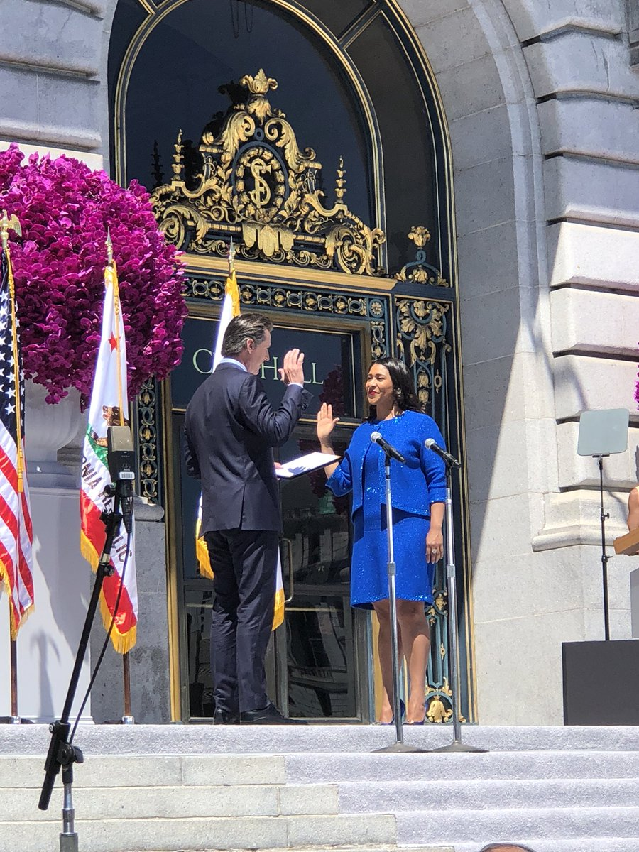 An unbelievable honor to swear in San Francisco's first female African-American Mayor today. Congrats, @londonbreed! <br>http://pic.twitter.com/lkQM2RHTxB