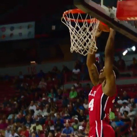 Wendell Carter Jr. rolls to the hoop for the slam in #PhantomCam!  #NBASummer https://t.co/O9btyKbeWO