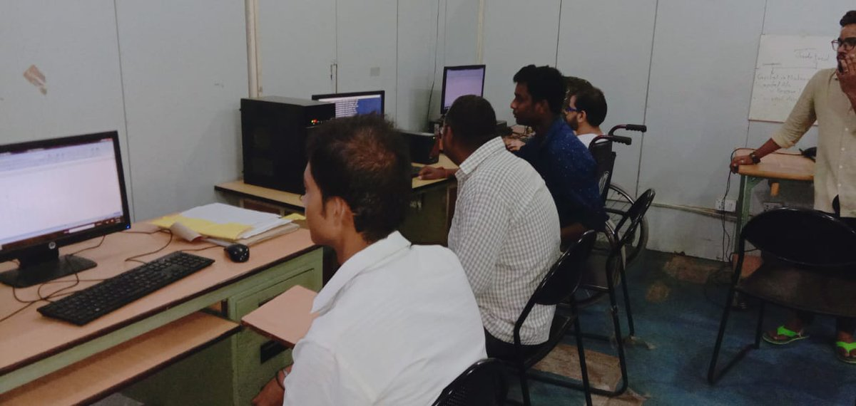 दिव्यांगजनों के कौशल प्रशिक्षण के लिए बेसिक कम्प्यूटर तथा मोबाइल रिपेयरिंग का कार्यक्रम फरीदाबाद के एनएचएफडीसी के स्किल ट्रेनिंग सेंटर में चलाया जा रहा है, इच्छूक व्यक्ति 01292226910 पर सम्पर्क कर सकते हैं।  #SkillTraining