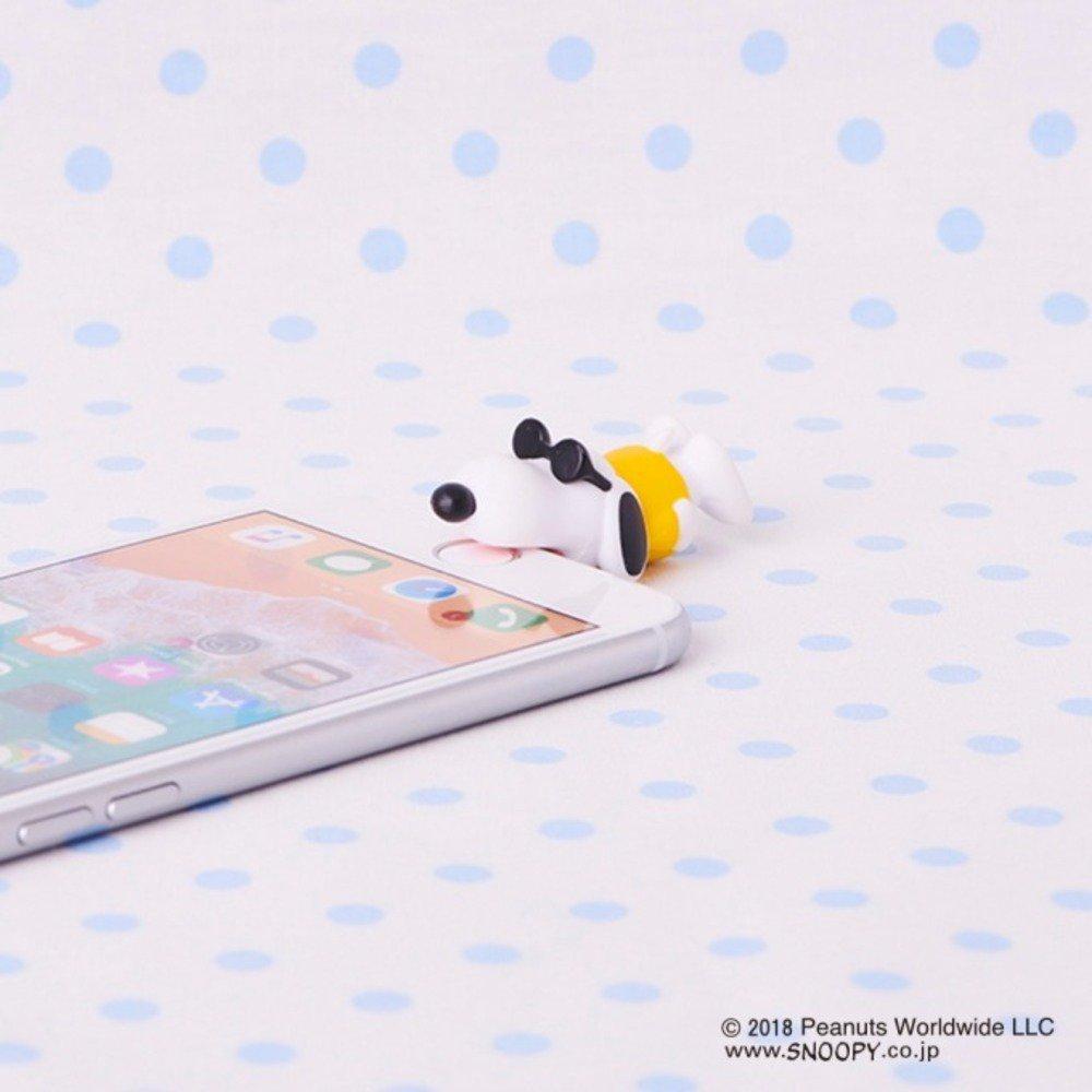 """スヌーピーがガブっと""""噛みつく""""iPhoneケーブルアクセサリー「ケーブルバイト」ピーナッツとコラボ -"""