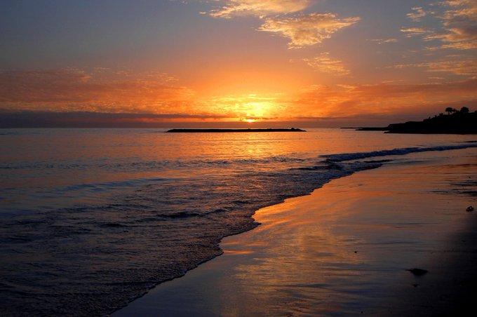 Buenos días, jueves. Un corazón entusiasta encuentra oportunidades en todas partes Paulo Coelho #FelizJueves Photo