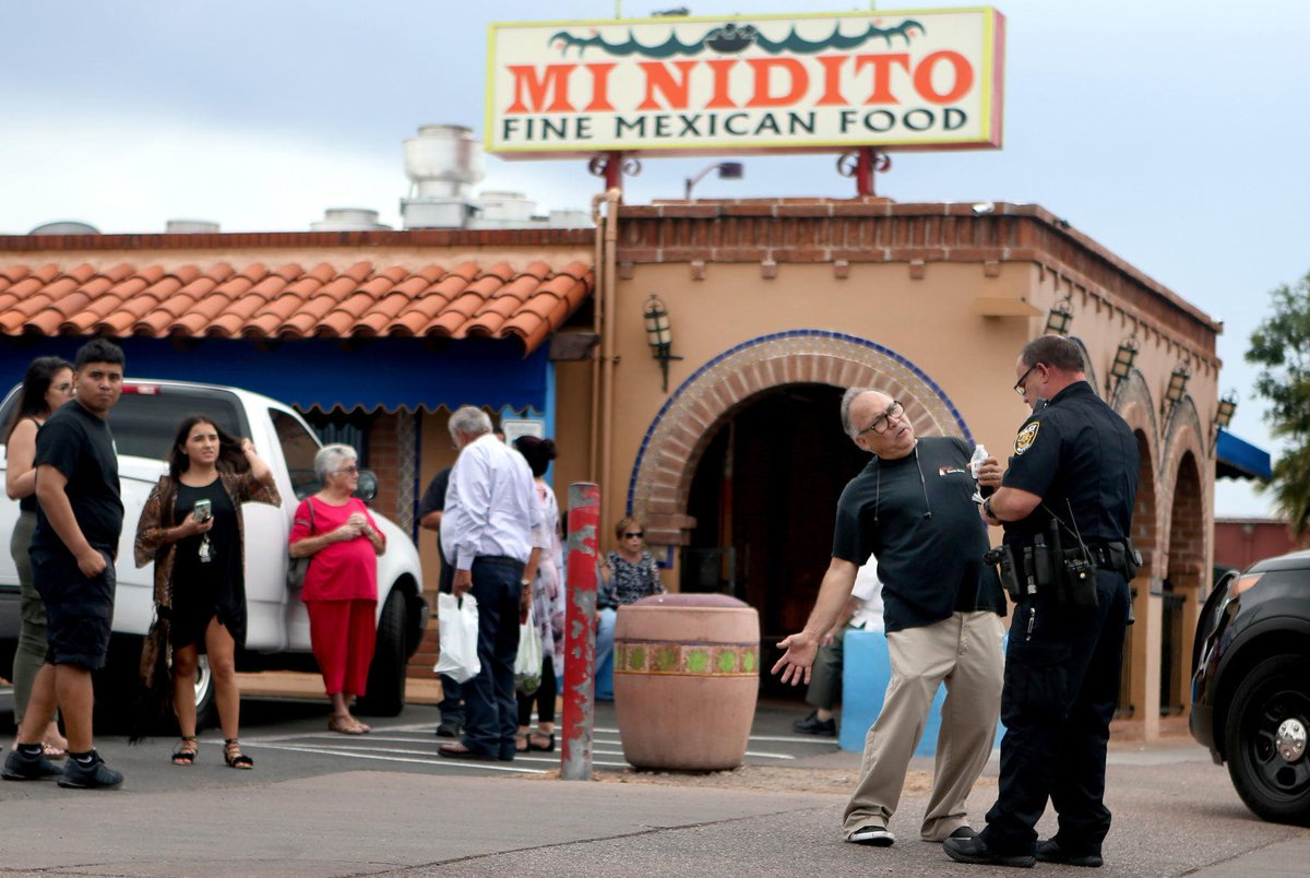 2 employees hurt in fight with man trying to rob Mi Nidito restaurant https://t.co/b4eJf77fwT