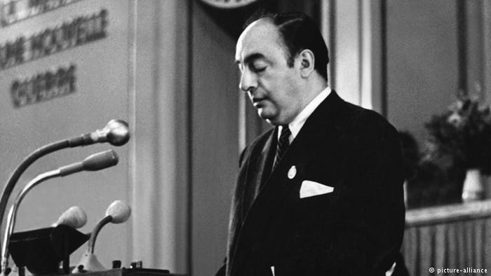 Did you know Nobel Prize-Winning Poet, Pablo Neruda was a former senator of Chile? Happy Birthday Pablo Neruda! #writerfacts #AvantgardeBooksBirthdays #PabloNeruda <br>http://pic.twitter.com/gCvYFIhkAU
