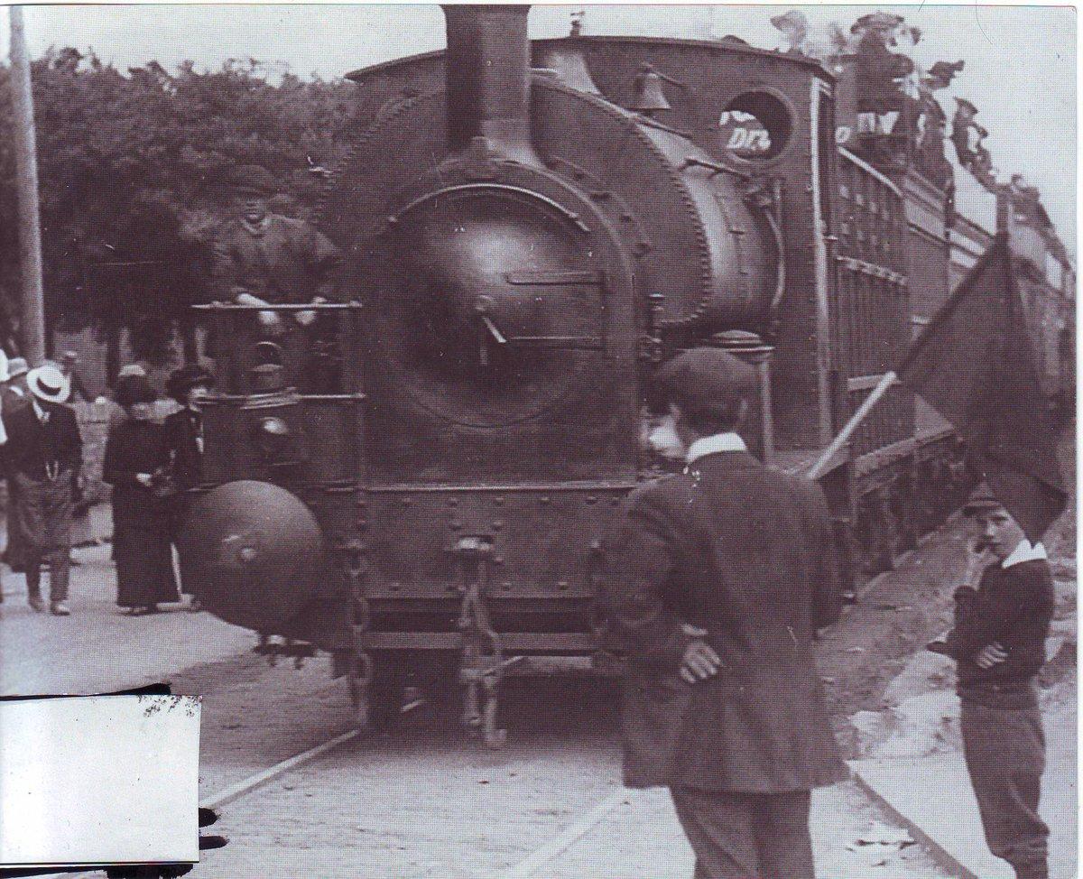 Dh4hvGiX4AUe01u - By Rail to the Mumbles