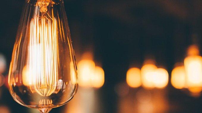 Cómo saber cuándo vale menos la luz y cómo actuar en consecuencia #Felizjueves @selectra_es Photo