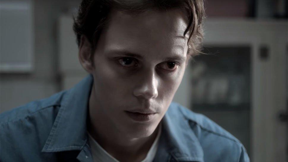 ICYMI, #BillSkarsgard is totally creepy in @Hulu's new trailer for #CastleRock: https://t.co/tZ3jNVYOka https://t.co/7Vyl1uzrMr